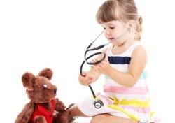 Девочка-доктор