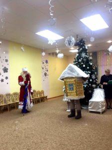 Дед Мороз и Теремок