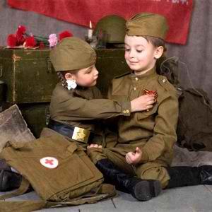 Награждение юного солдата